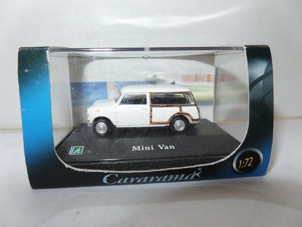 Cararama 1/72 Scale Leyland Mini Countryman Estate White Woody